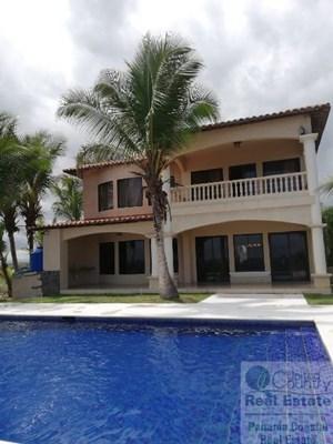 BEACH HOUSE FOR SALE IN PLAYA LA BARQUETA PANAMA