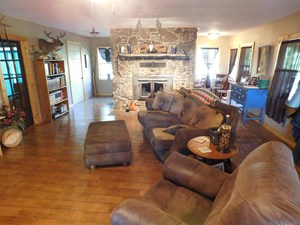 HOME HORSE AND RV PARK NEAR NATIONAL PARK SERVICE FOR SALE