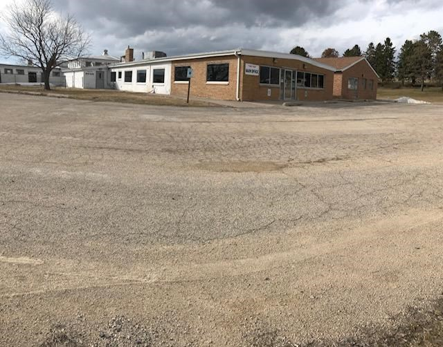 Commercial Property for sale on over 9 acres & 6 buildings