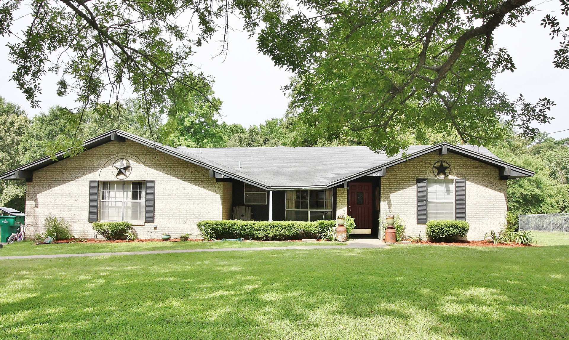 Home For Sale  in Buffalo, TX