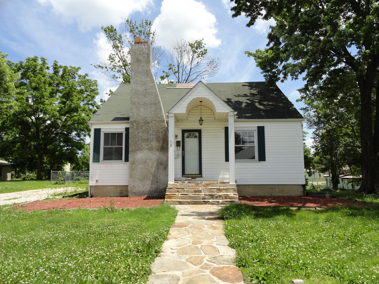 Cottage Style Home for sale in Salem, Missouri
