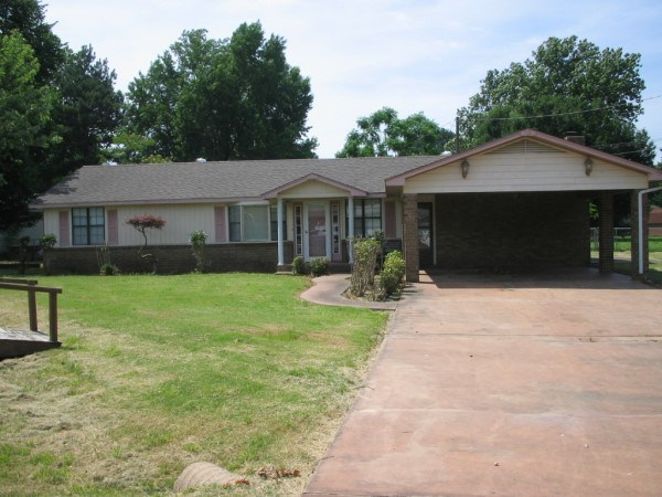 POTEAU CRESTVIEW HOME
