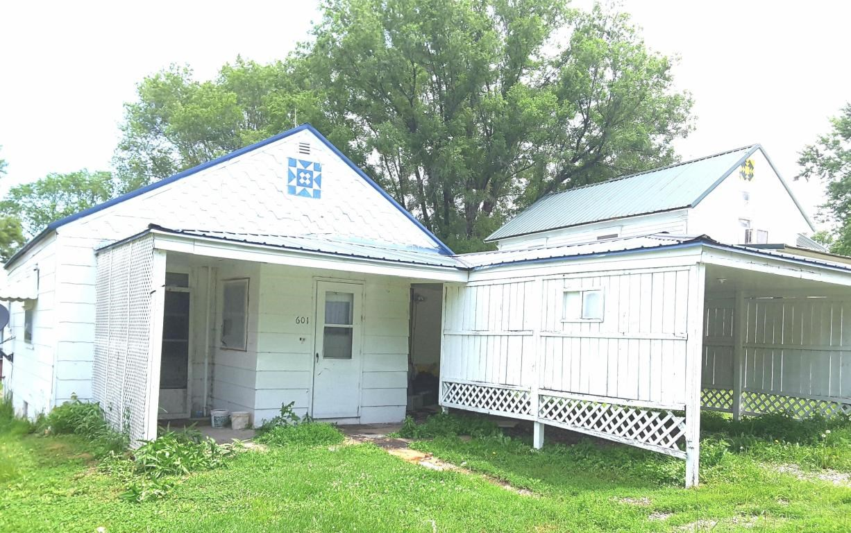2 BEDROOM, 2 BATHROOM HOME FOR SALE IN HOPKINS, MISSOURI