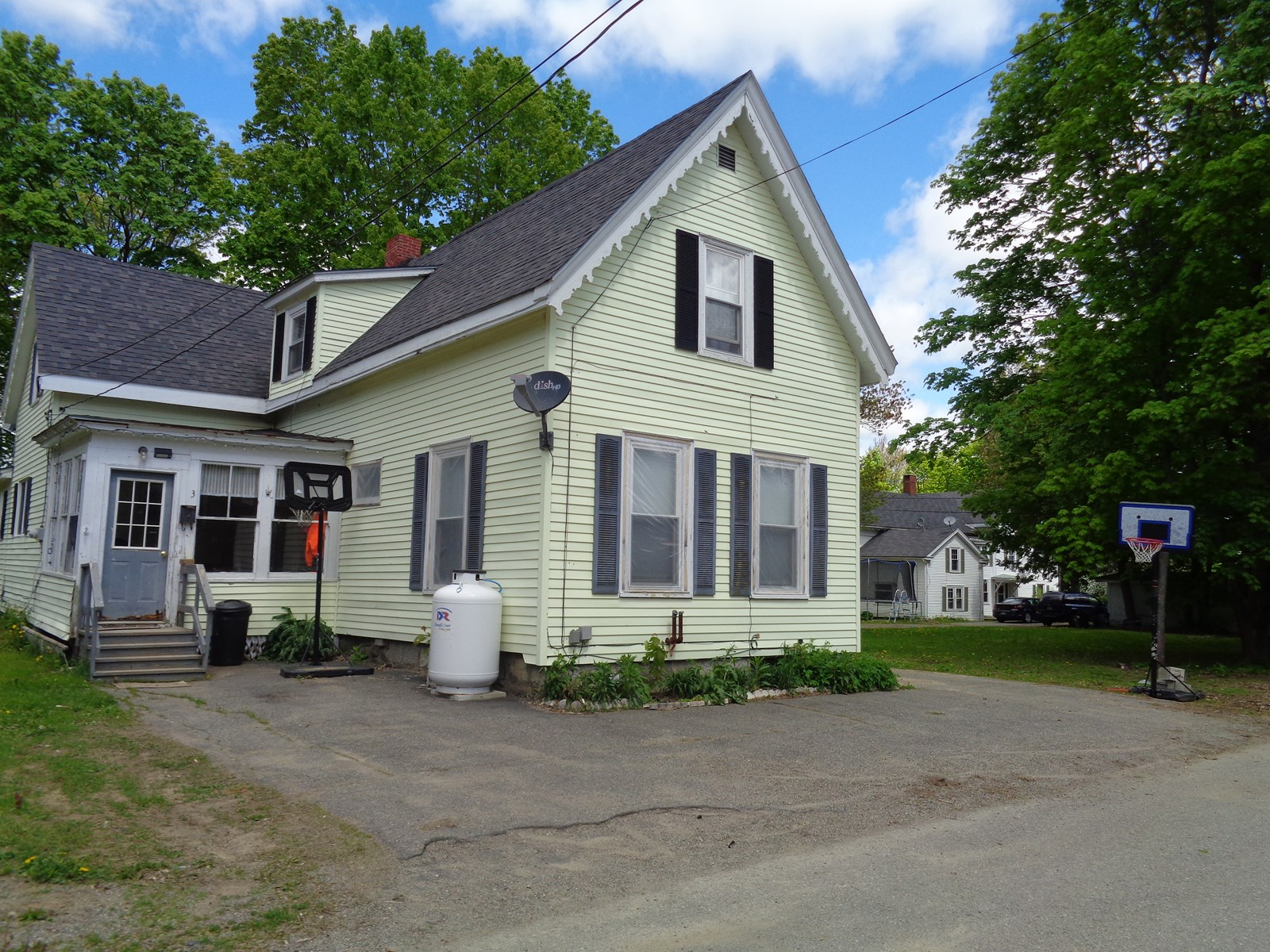 Beautifully Maintained Historic Home For Sale in Maine