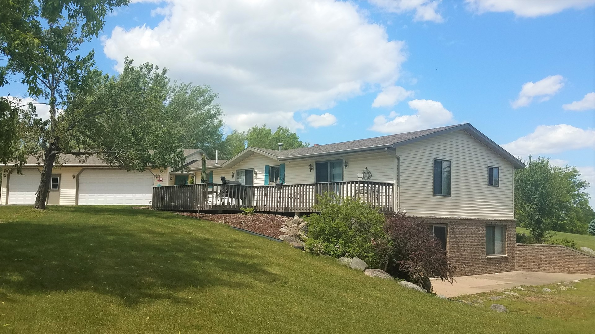 Country Home for Sale in Waupaca, WI