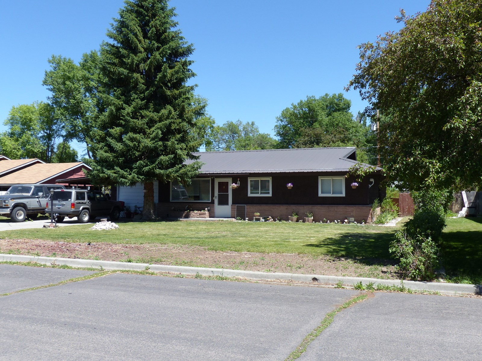 NICE SOLID HOME FOR SALE IN BURNS OR