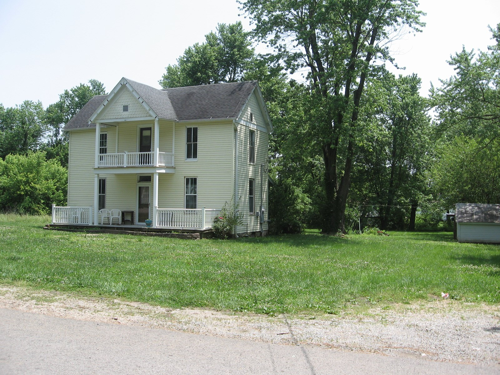 HISTORIC HOME ON 2.8 ACRES M/L IN FREDERICKTOWN, MO.