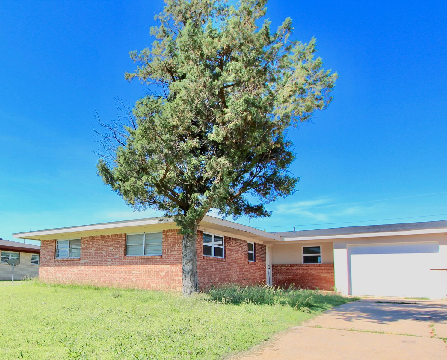 DUPLEX HALF FOR SALE IN WESTERN OKLAHOMA/HOME OR INVESTMENT