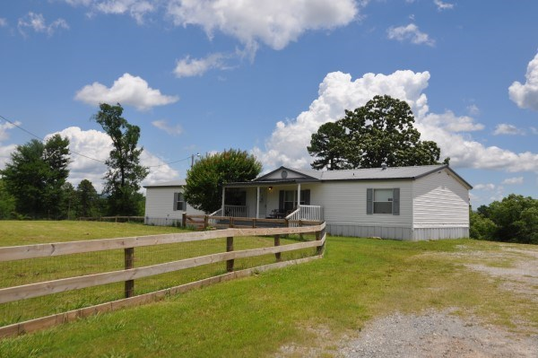 OKLAHOMA COUNTRY HOME IN KIAMICHI MOUNTAINS FOR SALE