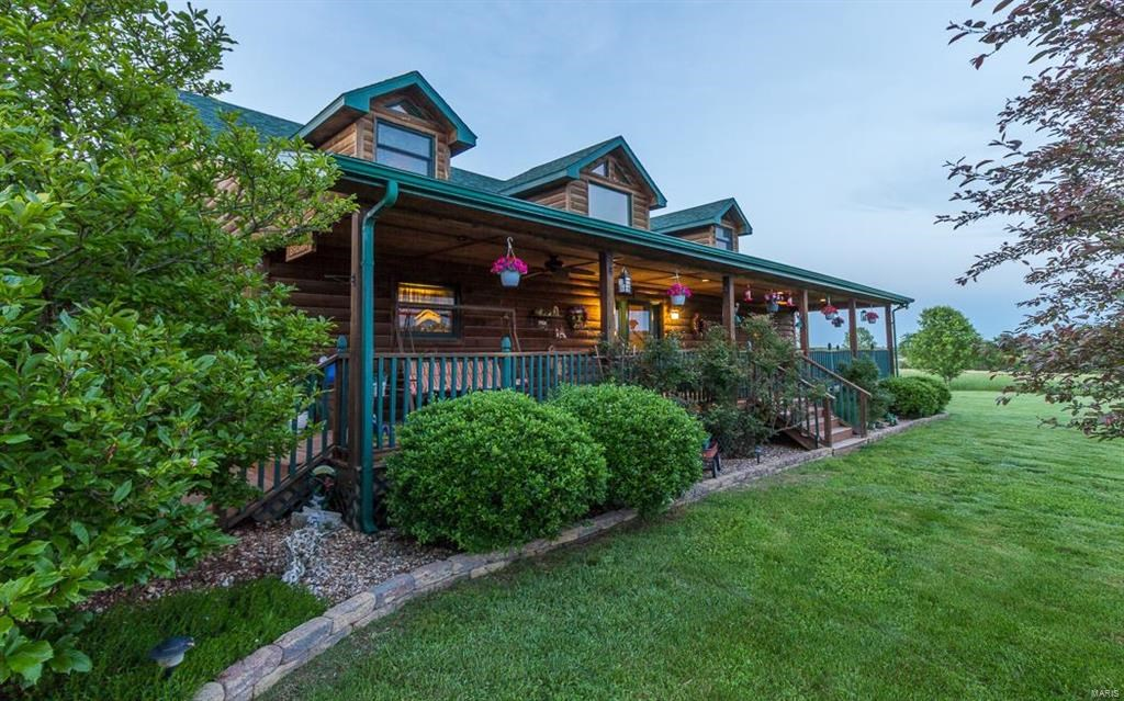 Missouri Log Home for sale, Grass farm near SpringField MO