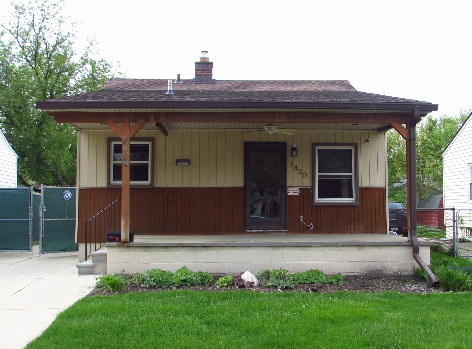 Perfect starter home or investment property!