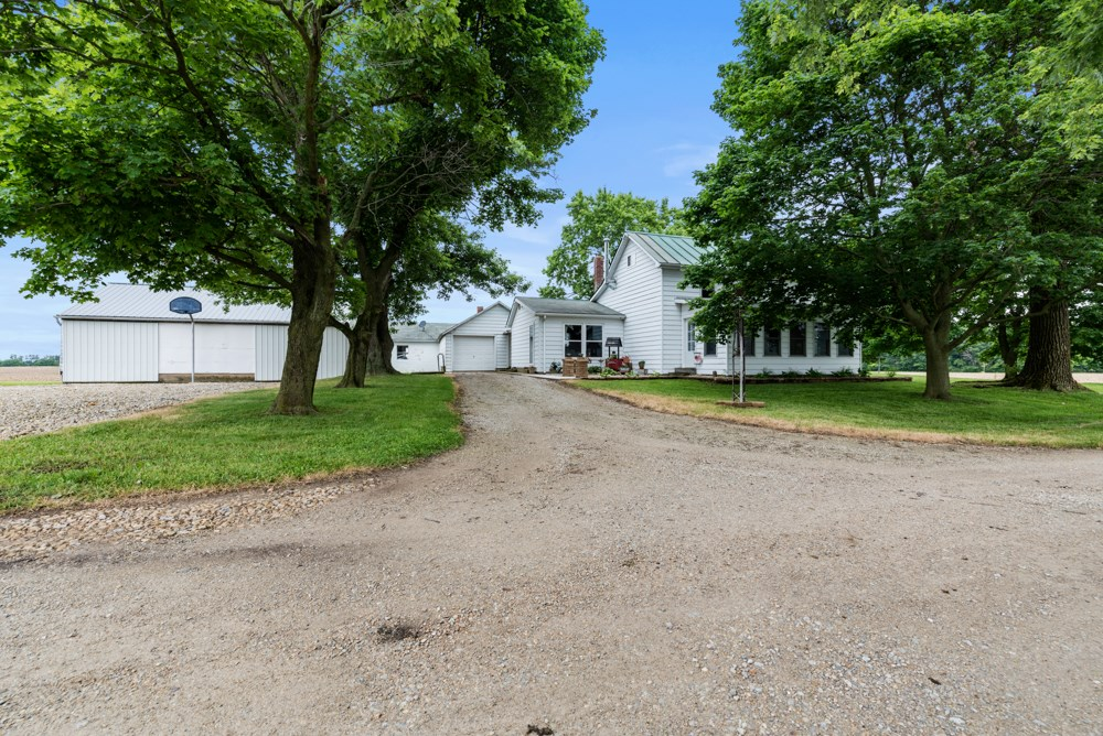 Country Home for Sale Parker City, IN