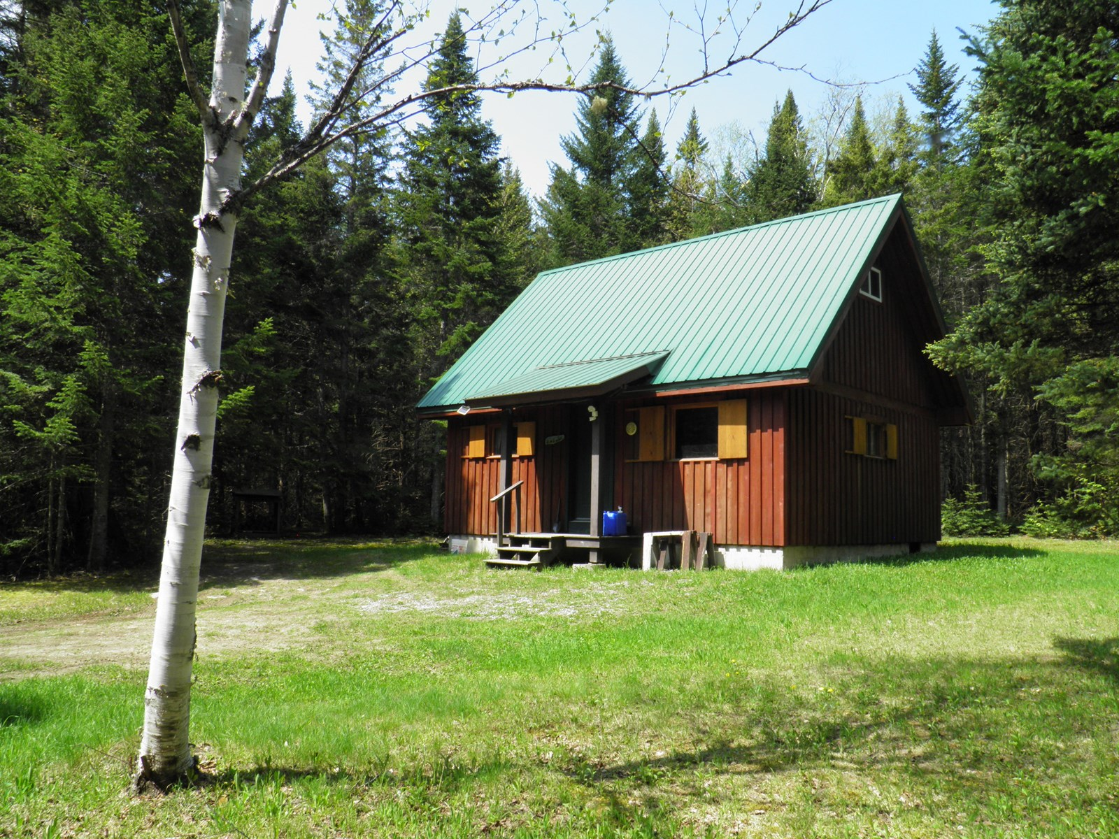 Newly Constructed Recreational Camp For Sale in Maine