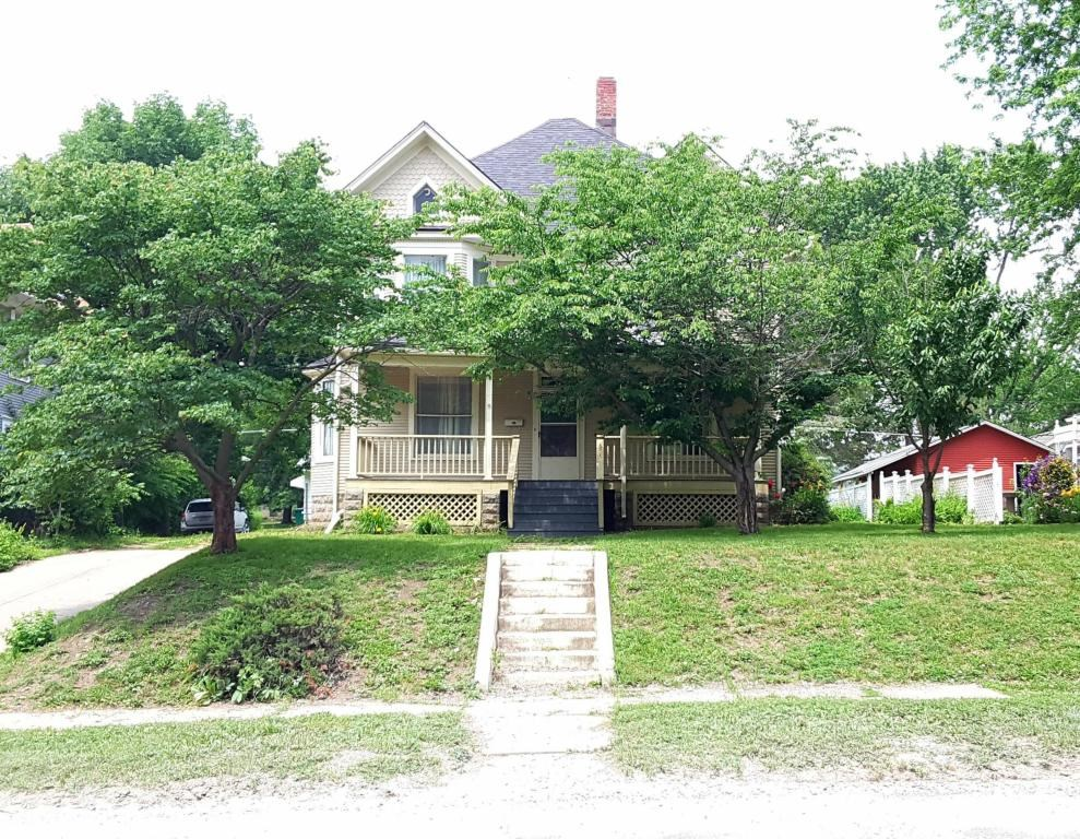HISTORIC HOME FOR SALE IN MARYVILLE MISSOURI