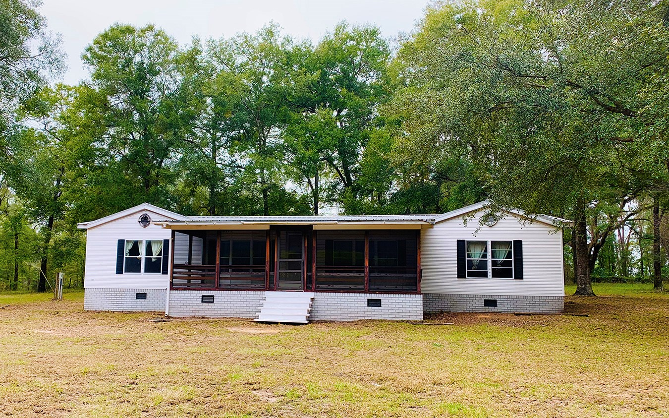 3BR/2BA ON 10 ACRES IN WELLBORN, FLORIDA