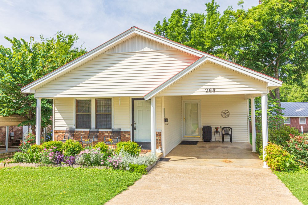 Nice Home; Convenient Location in Selmer, TN
