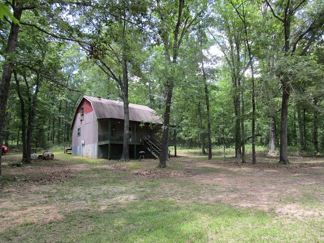 SOUTHEAST MISSOURI HUNTING CABIN