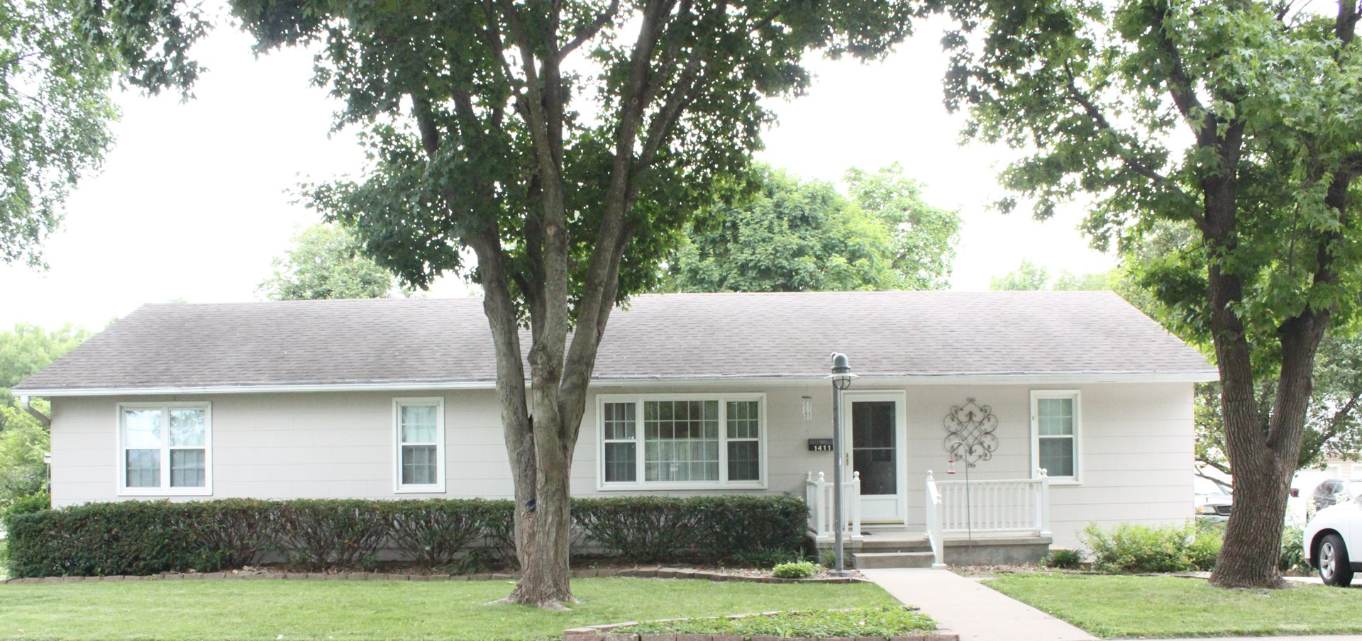 Large Well Maintained Home Atchison KS