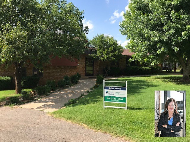 Gorgeous 4 Bedroom Home in a Beautiful Serene area in Alva