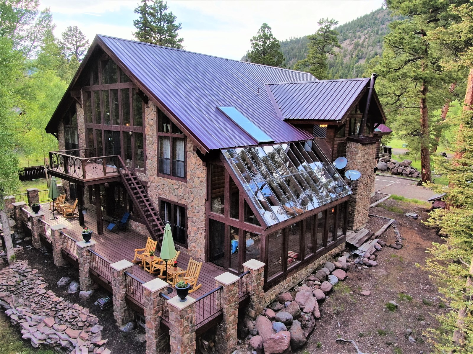 Riverfront Mountain Home in Colorado AUCTION