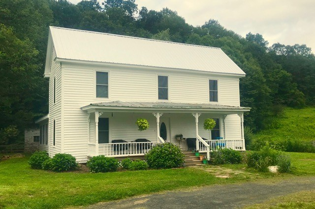 Remodeled Farm House with River Frontage for Sale, Floyd VA