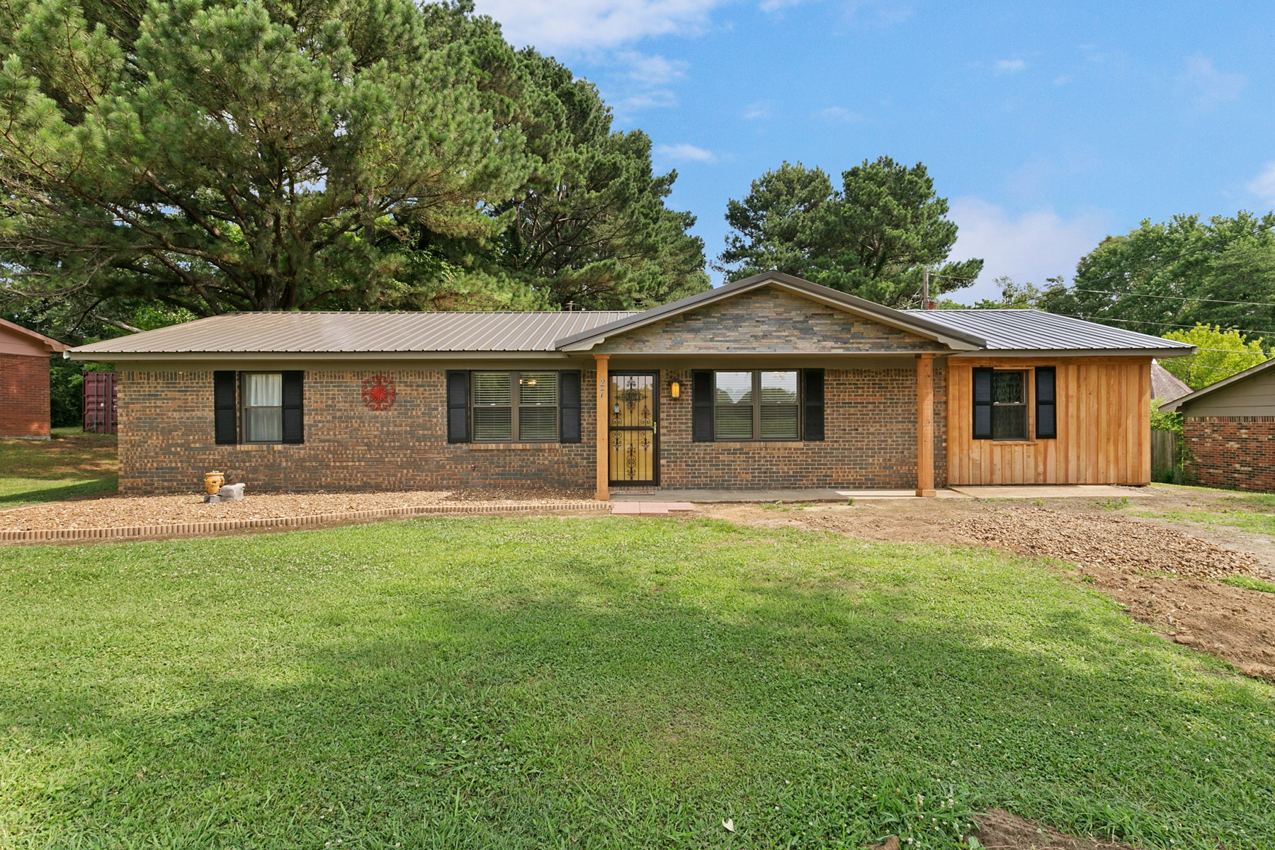Newly Remodeled Brick Ranch Home For Sale Outside City Limit