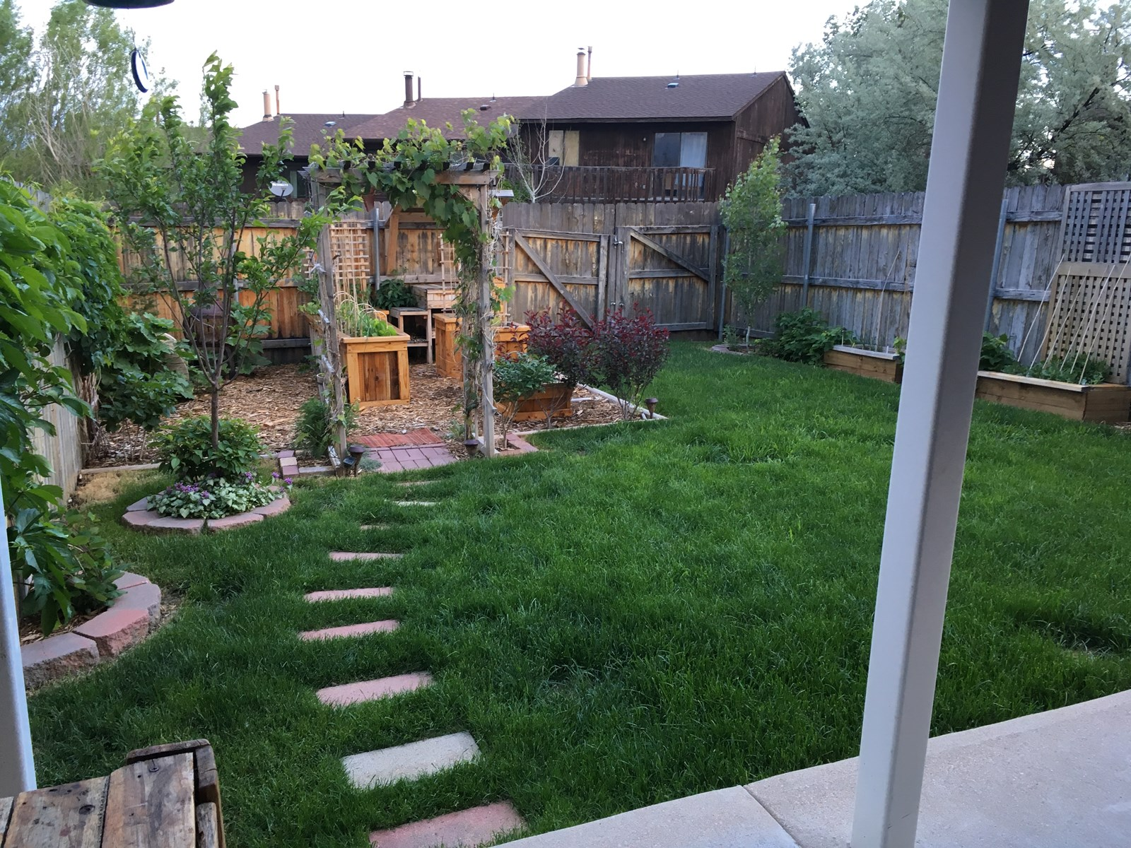 Cutest Townhouse with Beautiful Back Yard & Covered Patio