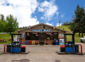 EXCELLENT BUSINESS OPPORTUNITY IN BEAUTIFUL NORTH IDAHO