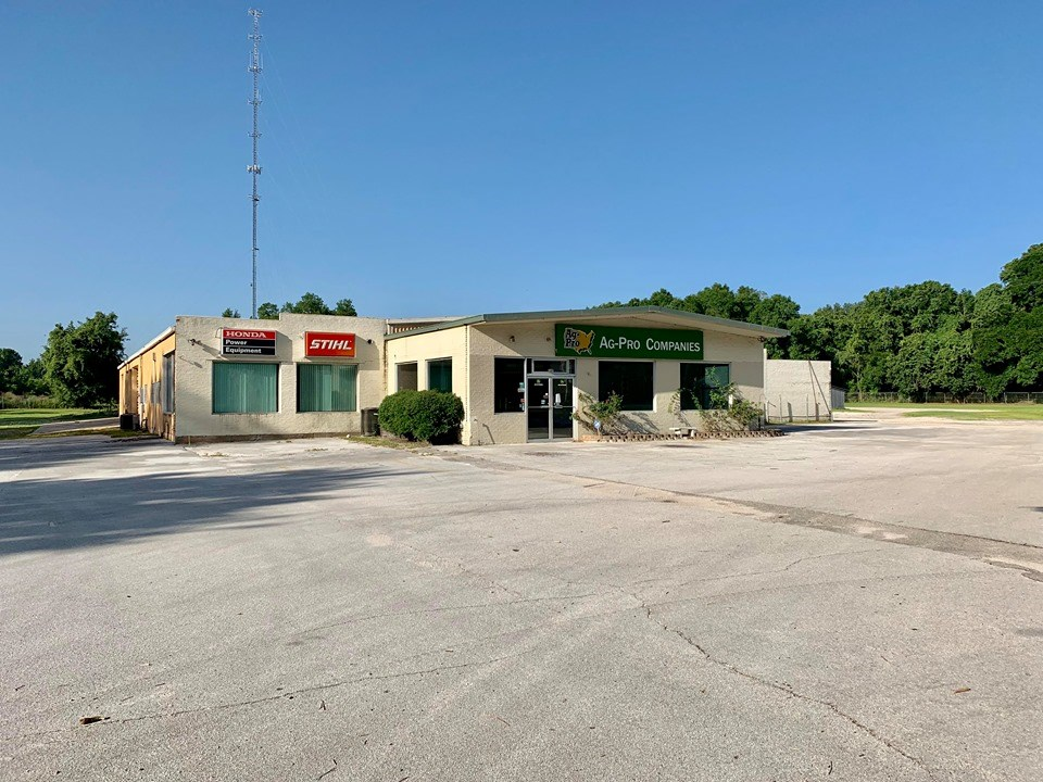 COMMERCIAL BUILDING ON 9 AC. - CITY LIMITS OF CHIEFLAND, FL
