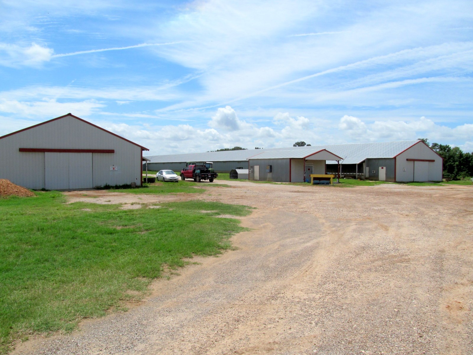 POULTRY FARM FOR SALE - 20 ACRES EAST TEXAS - 3/2/1 HOME
