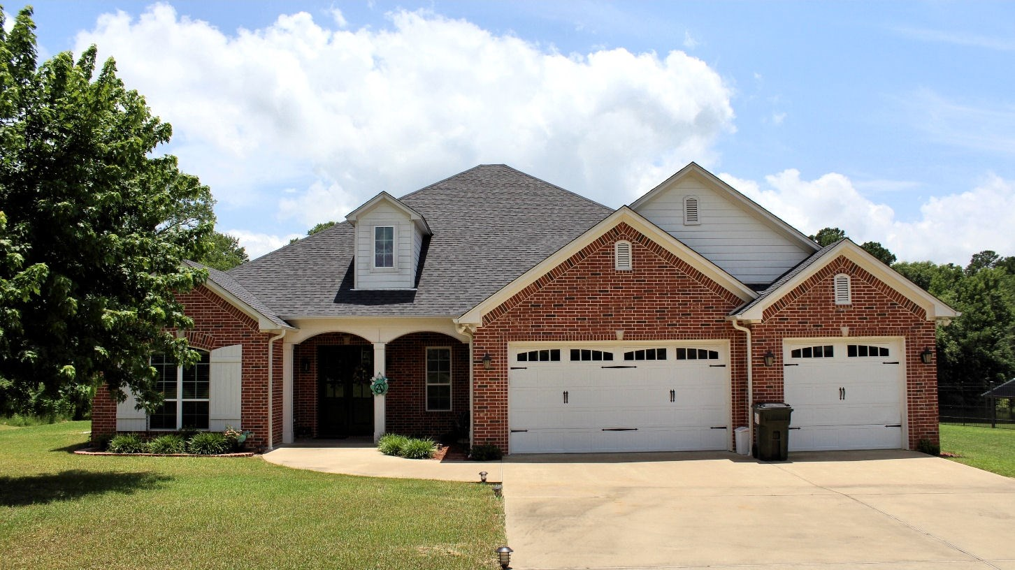 EAST TX LAKEFRONT HOME FOR SALE   LAKE PALESTINE REAL ESTATE