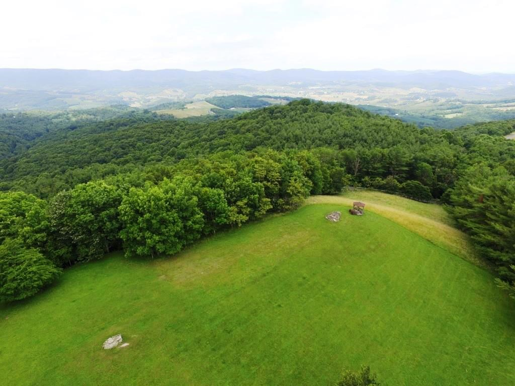 Mountaintop building lot in Grayson County, VA
