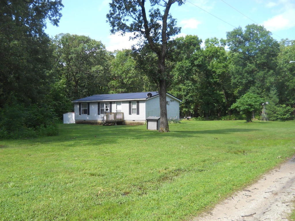 Semi-Secluded 3 bedroom 2 bath , 1998 double wide on 5 acres