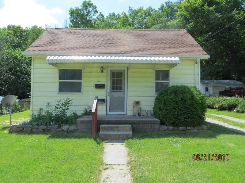 For Sale 3 bed ranch home in Mo Valley  Needs some TLC