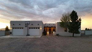 NEWER BEAUTIFUL SOUTHWEST PUEBLO STYLE HOME BUILT IN 2007