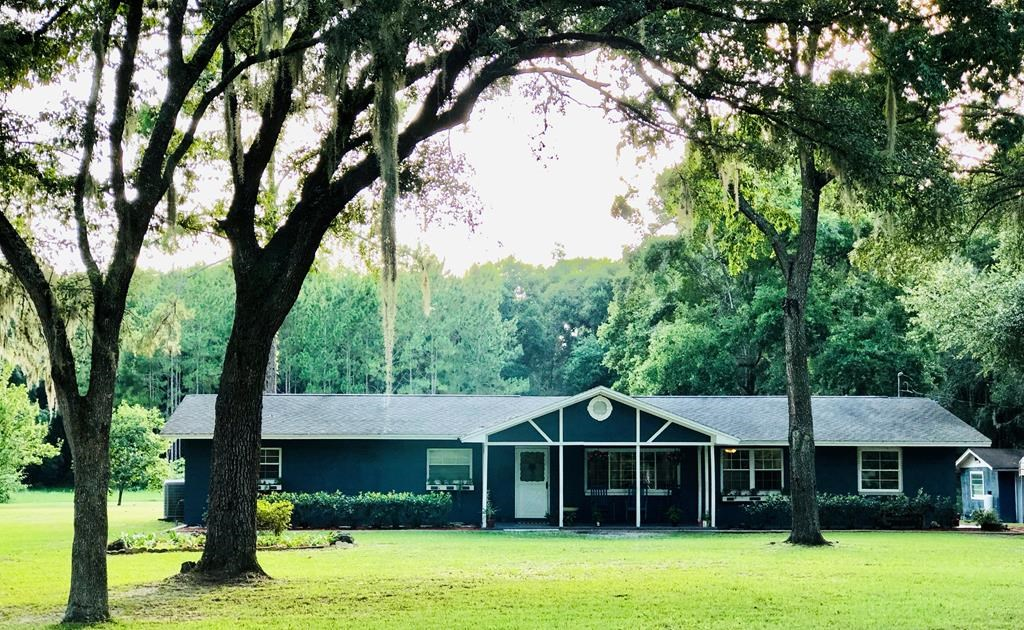 Country Home on Acreage in Chiefland, FL-Close to the Gulf