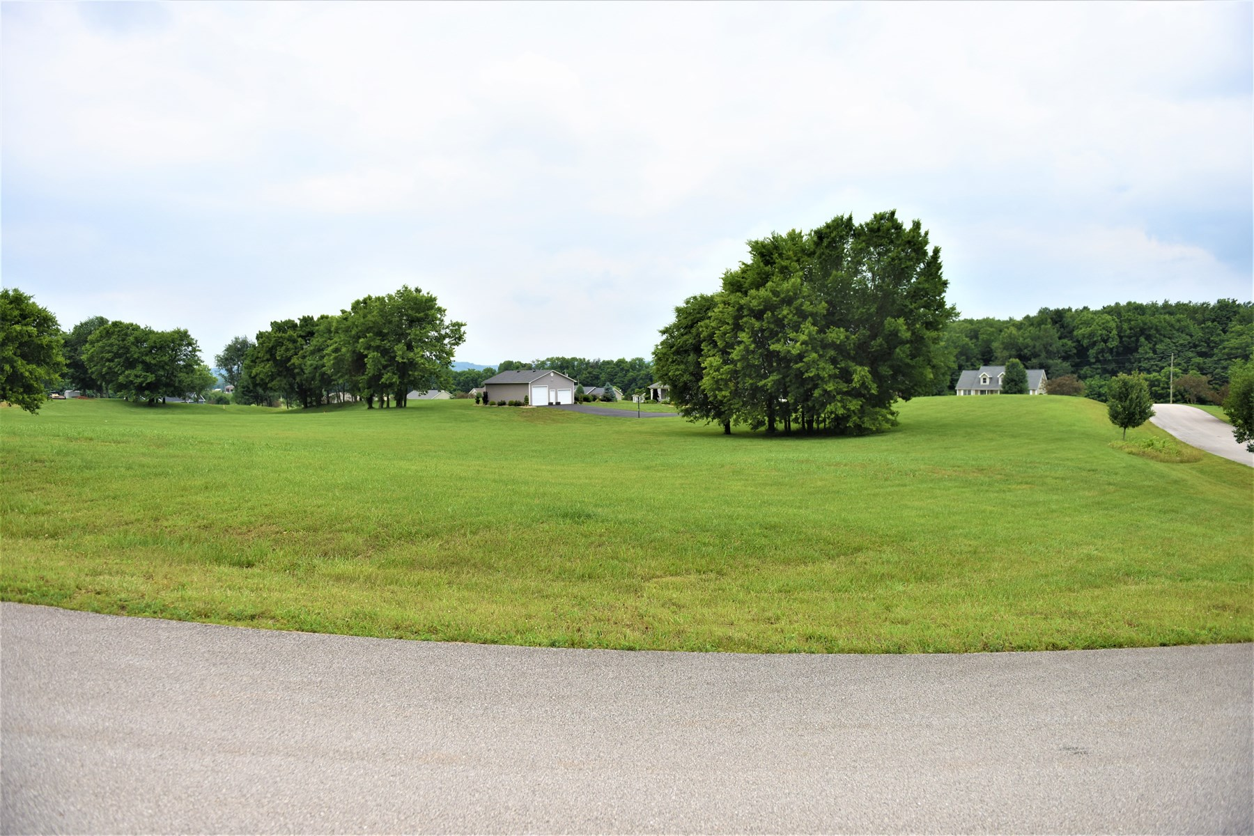 Wellington Subdivision Lot # 61 F - 36, Cave City