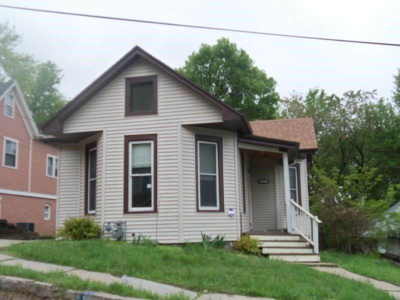 1 Bed/1.75 bath home for sale Council Bluffs Iowa Pott Co