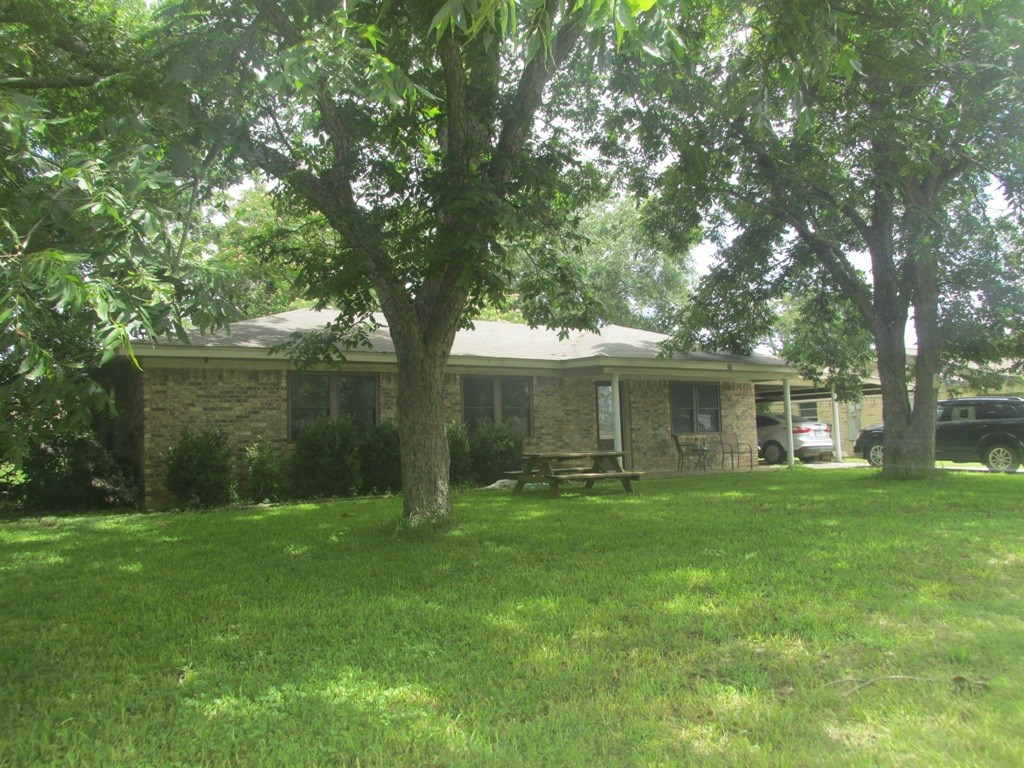 CLEAN HOME FOR SALE IN PALESTINE TEXAS