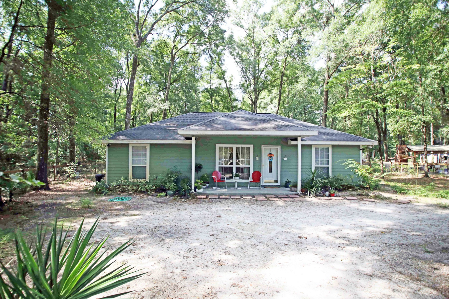 3BR/2BA HOME IN THREE RIVERS, SUWANNEE, FLORIDA