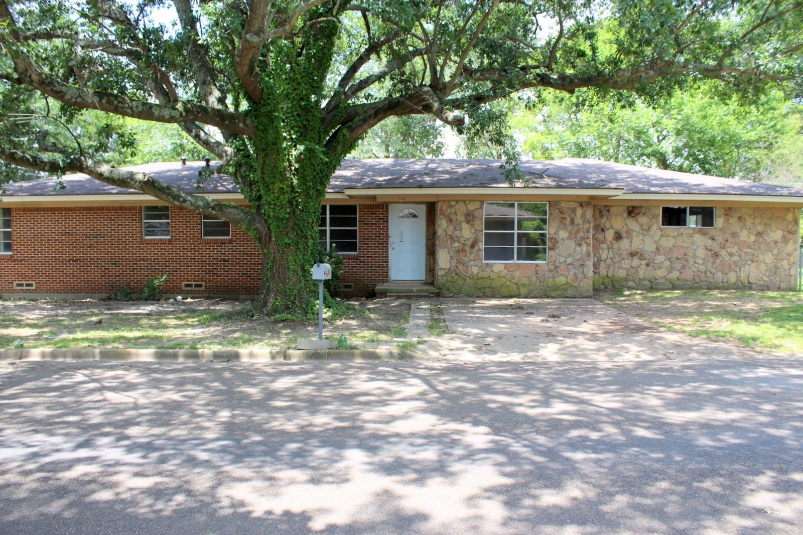 FINISH OUT THIS HOME IN WINNSBORO, TEXAS - WOOD COUNTY
