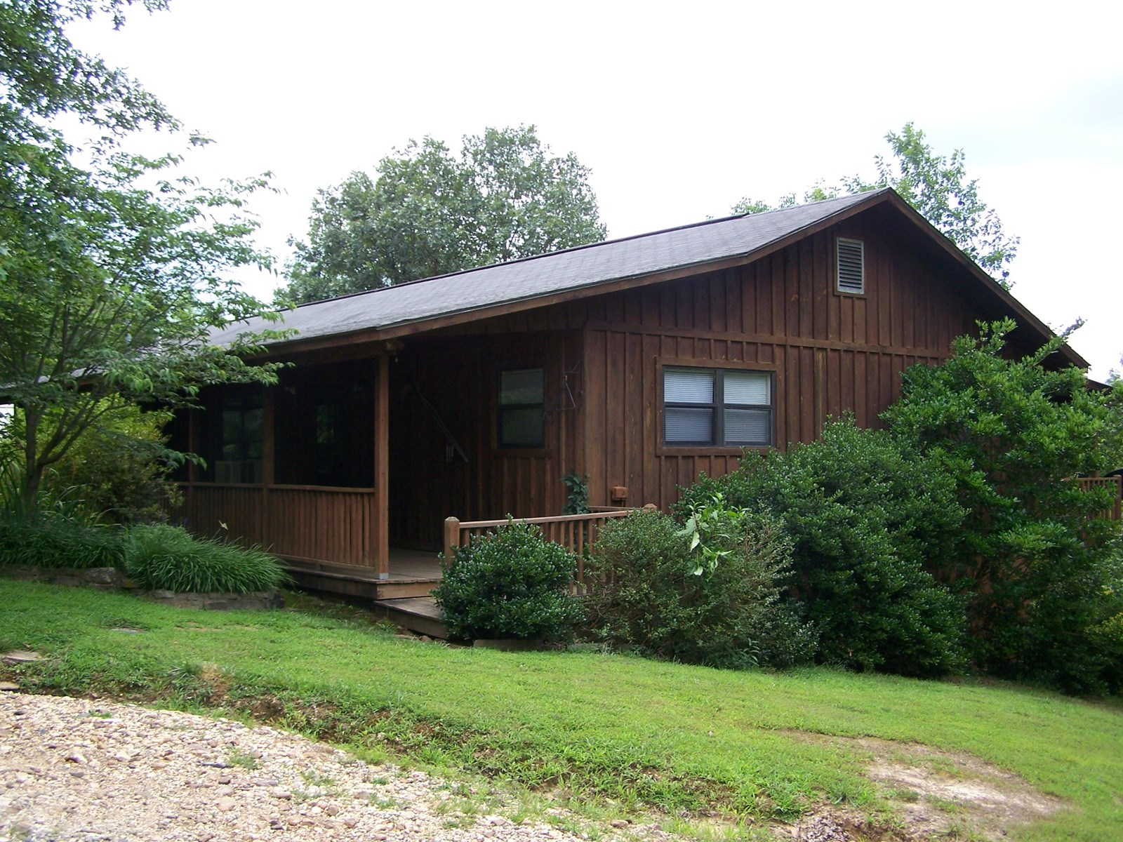 Arkansas Ozarks Custom Built Country Home with Acreage