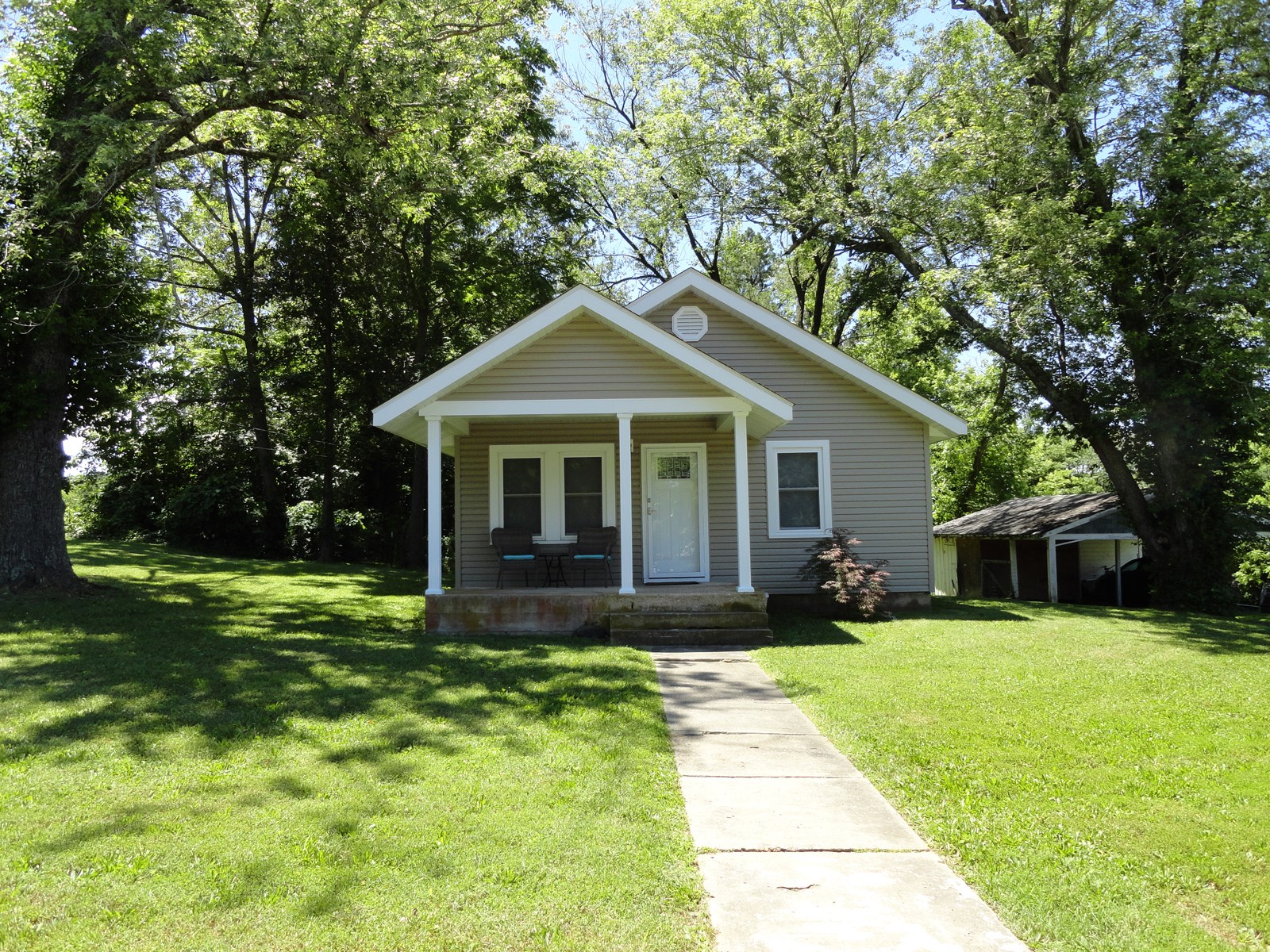 Cute updated home in Salem, Missouri!
