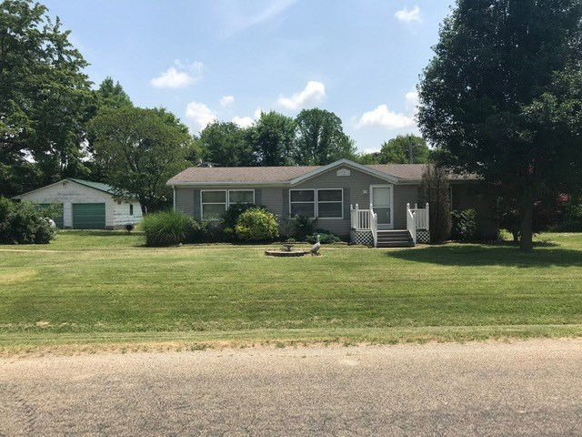 3 Bedroom, 2 Bath Country Home with Pond