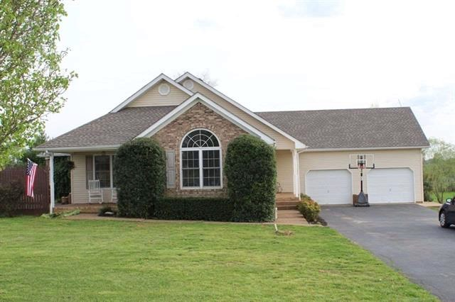 3 bedroom 3 bath country home for sale near Brownsville, Ky.