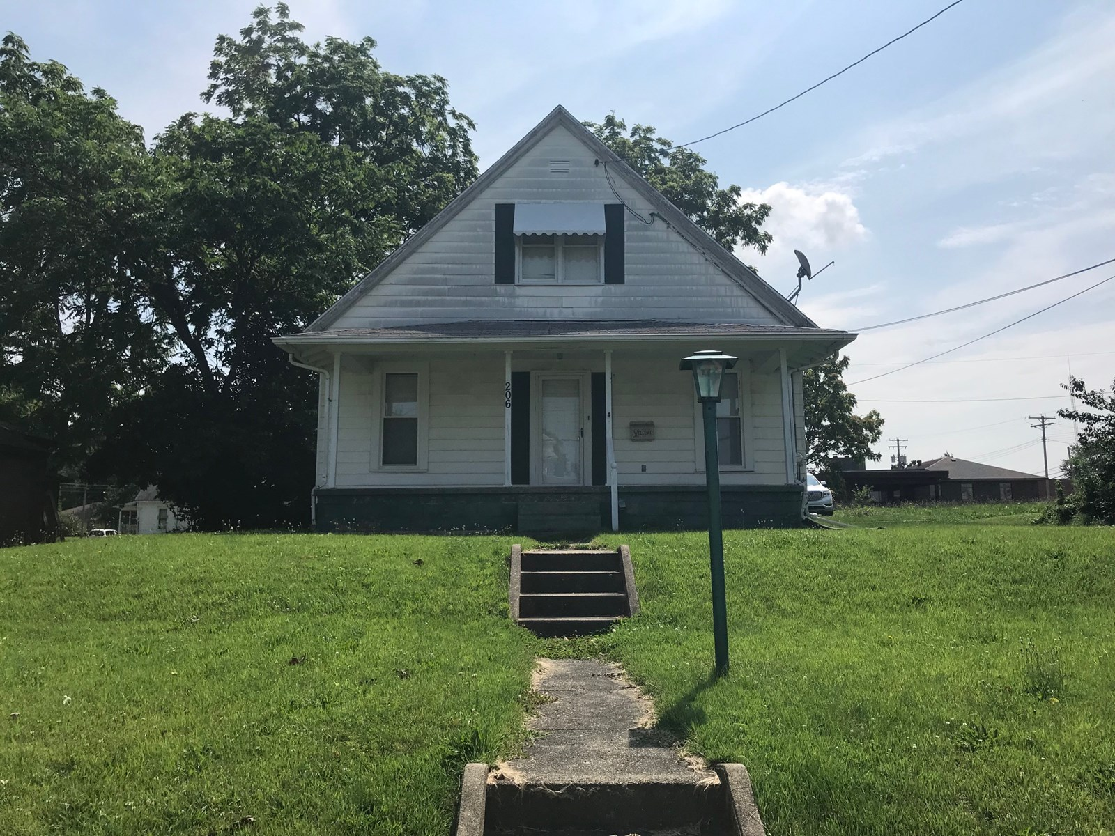 3 Bedroom, 2 Bath Home in Town