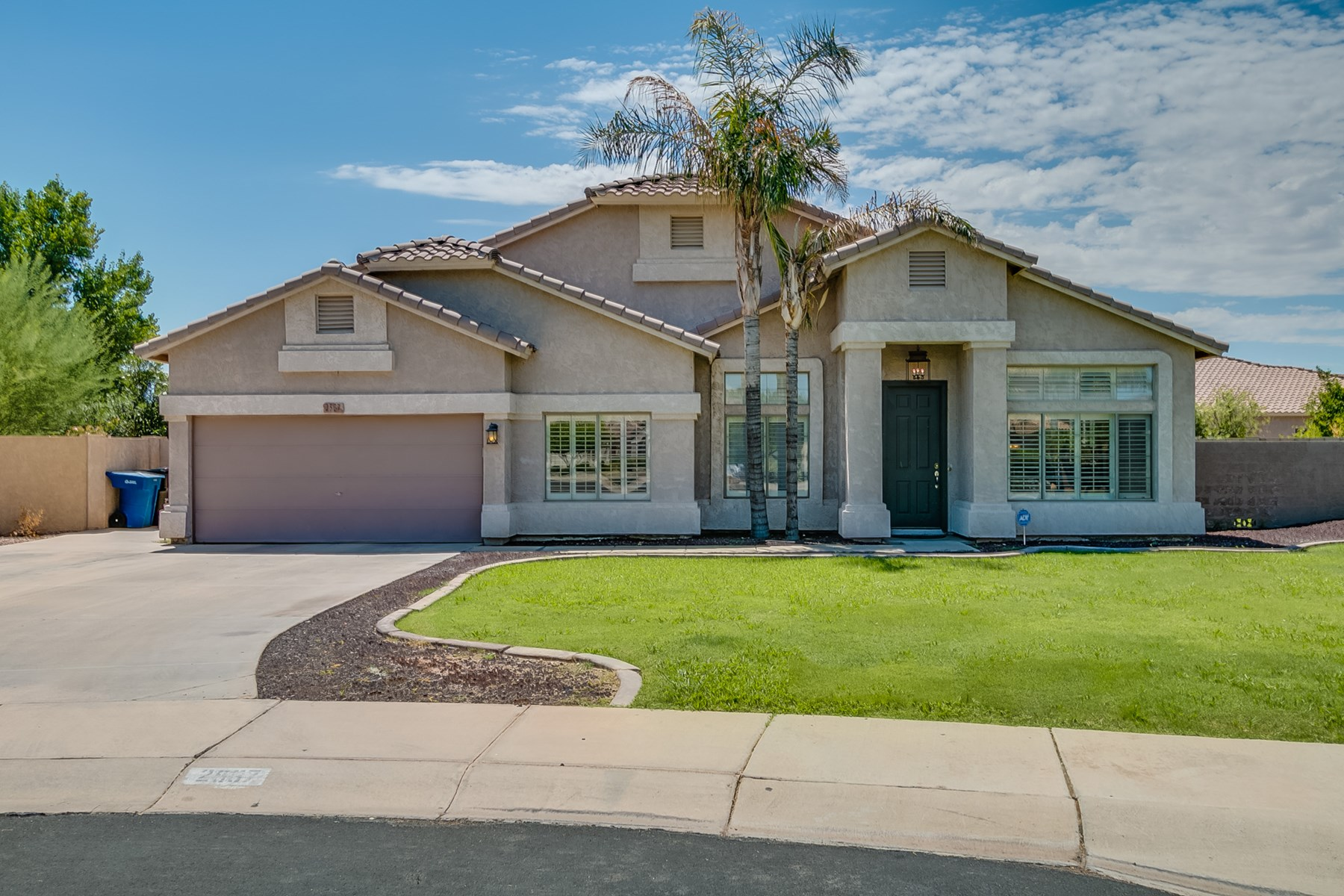 5 BEDROOM 3 BATH HOME IN GILBERT