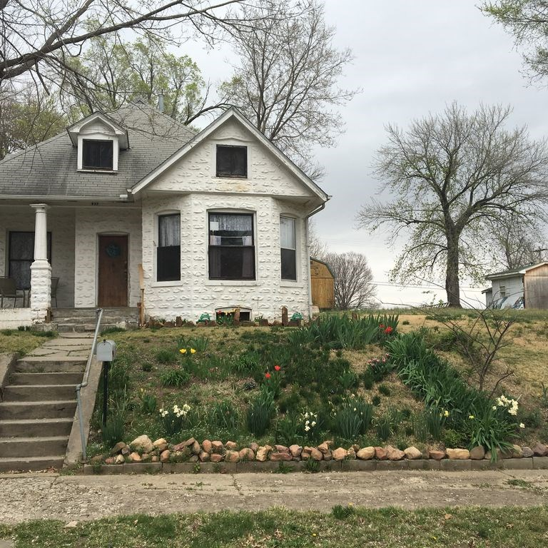 Charming Historic  Home Built In 1850 Atchison KS