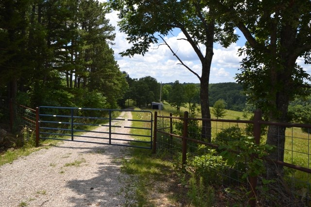 Missouri Hobby Farm for Sale in the Ozarks