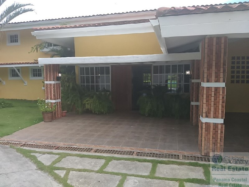 HOUSE FOR SALE IN COSTA ESMERALDA SAN CARLOS PANAMA